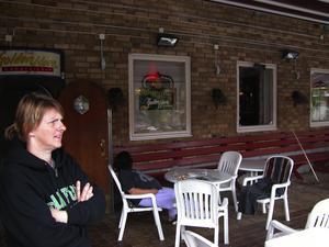 Inbrott. Maria Carlsson, en av ägarna till restaurang Bosporen i Leksand, begrundar det inträffande. Foto:Annki Hällberg