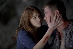 The cabin in the woods (2012). Här går filmskaparna verkligen all in. Evil Dead möter Fredagen den 13:e när en grupp ungdomar ska tillbringa natten vid en avlägsen stuga. Inget för den som räds lite blod.