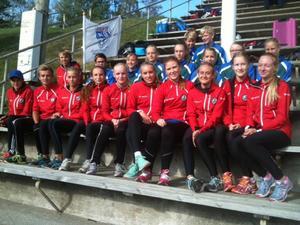 En glad samling deltagare från J/H efter helgens NM i Haparanda/Tornio.   Foto: Joakim Hennings