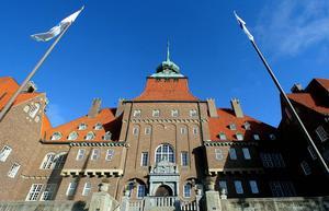 För att Östersund ska växa krävs fler företag som i sin tur skapar större skatteintäkter, skriver Carina Asplund (C) och Ulf Edström (C).
