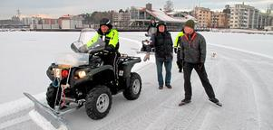 Plogarna Bo Stenhäll och John Ingius, Ola Kasimir på skridskor samt Charlie Lindström och Leif Malmström.