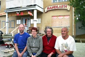 Namnet Aivas har alltid levt kvar i  Bergsjöbornas medvetande. Nu är familjen bakom tillbaka igen. Niclas och Ylva Nilsson tillsammans med Valter och Aina Lööv som lovat att hjälpa till..