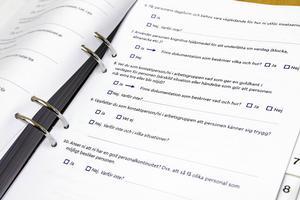 Olika frågor ställs i checklistan utifrån brukarens liv och livsstil. En av frågorna är kring hur personalen kan sätta guldkant på brukarens tillvaro.