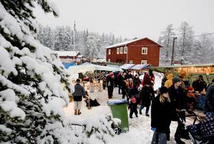 Den årliga julmarknaden på Norra berget är populär.