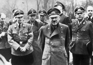 Martin Saxlind,  från Söderhamn, är redaktör för Nordfront och arbetar med organisationens radiosändningar. Han har bland annat beskyllts för att ha publicerat en artikel som hyllar Adolf Hitler.