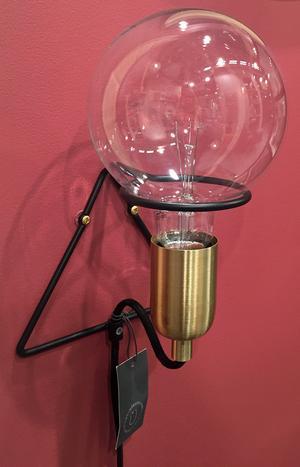 6. Vägglampa från Hübsch, cirka 800 kronor i butik.
