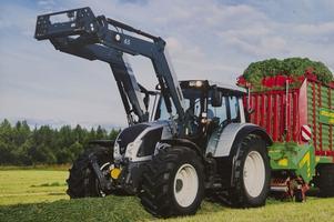 En liknande traktor, dock inte i den här färgen, stals från Lantmännen i helgen.