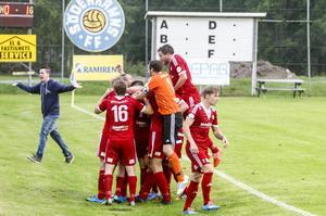 Pelle Lööf avgjorde derbyt mot Söderhamn med ett sent skott som gick stolpe in på övertid.