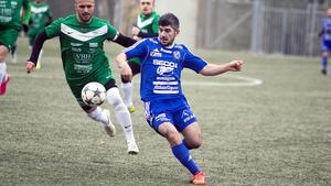 Artur Poghosyan på jakt efter bollen.