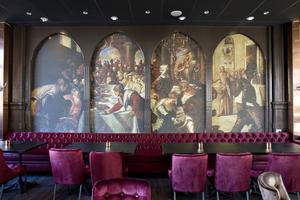 Målning på väggen i The Church,