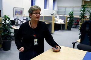 Lena Brunzell är chef för Försäkringskassans kontrollenhet i Sundsvall där fem handläggare jobbar med att utreda anmälningar från myndigheten och privatpersoner om misstänkt fusk.