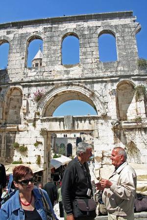 Antika romerska lämningar efter kejsar Diocletianus palats i Split.