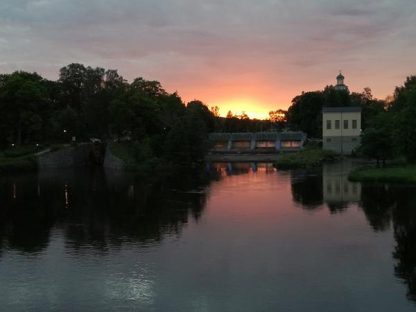 Bilden är tagen från Kungsbron en vacker sommarkväll.