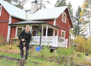 Sofia Rapp Johansson trivs med livet på den lilla gården i Edebo.