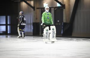 Erik Persson stod mot Villa – och nöp två straffar.
