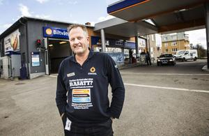 Stationschefen Stefan Strandell slutar men Statoil består.