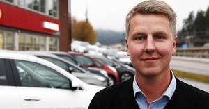Fredrik Sundström, ägare av Sundströms bil, bekräftar att företaget nu utökar lokaler och verksamhet mot en större satsning på framtiden - mot elbilar och hybridbilar.