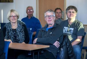 25 personer kom för att mingla och lyssna de forna skidstjärnorna från Sälen.