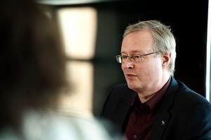 Mikael Rosén vill nu locka Miljöpartiet till alliansen i Falun.