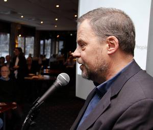Kommunalrådet Jan Sahlén vill ha dialog för utveckling av kommunen.
