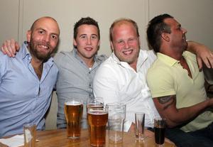 Blue Moon Bar. Markus, Niklas, Rikard och Bruno