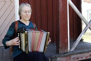 Ulla Wessling spelar enradigt durspel.
