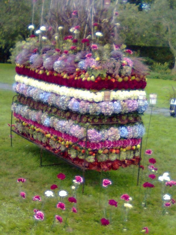 Denna mjuka blomstersäng fann vi på den Stora Trädgårdsfesten på Sofiero den 27 augusti 2010. Den var ett av tävlingsbidragen i Sofieros tävling. Här fanns även Majas trädgård en underbar
