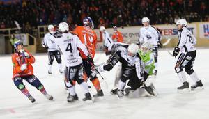Bollnäs, med Patrik Nilsson på topp, hade tryck mot slutet - men Saik stod starkt i defensiven.