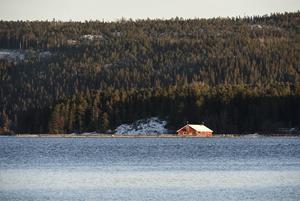 Fiskodlingen norr om ön Köpmanholmen flyttas.