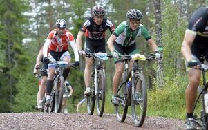 Hanna Bergman i Falu CK körde starkt och fixade en tredjeplats, trots en olycklig vurpa vid ena langningszonen. Foto: Nisse Schmidt