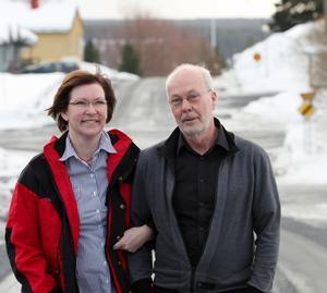 Carina Thunström och Birger Backlund jobbar med projektet Fria Föllinge och ska blåsa liv i byn. De tycker att gensvaret är fantastiskt.