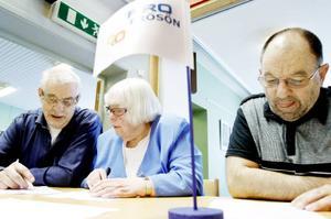 Thelma Olsson Bylin har deltagit i tävlingen några gånger tidigare. Men Ivar Nulu, till vänster, och Gunnar Bergman, till höger, är nykomlingar i sammanhanget.Enligt Gunnar Bergman är det omöjligt att förbereda sig.