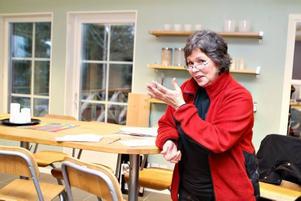 NYA I NATUREN. Naturbruksprogrammets lokaler är nya på Hemlingbyberget. Läraren Inga-Lill Kock är mycket nöjd med teorisalen.