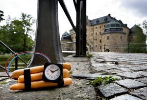Morotsbomb tillverkad av konstnären Conny Blom får polisen att se rött under öppningen av Open Art 2009.