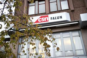 23 personer arbetar i dag på CSN:s kontor i Falun. Nu tvingas de flytta till Gävle, eller sluta sina jobb.