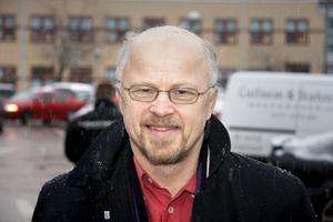Välkomnande? Frågan är om Stig Henriksson, kommunalråd, och övriga Fagerstabor vill ha Virsboborna.