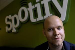 Störst? Spotify är på väg att gå om skivbutiker och näthandel och kan snart vara skivbolagens enskilt viktigaste samarbetspartner. Företagets vd Daniel Ek (på bilden) grundade Spotify tillsammans med Martin Lorentzon 2006.