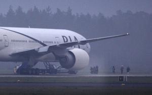 Flygplanet, en Boeing 777 med 273 passagerare, nödlandade på Arlanda efter misstanke om att det fanns en bomb ombord.