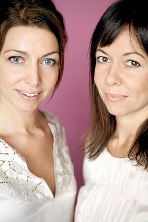 Sångsystrar. Christina och Rigmor Gustafsson.Arkivbild