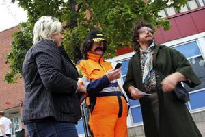 Duon från Småstadsliv, Christer Johansson och Christer Wallin, skapade uppmärksamhet på gågatan i Söderhamn.