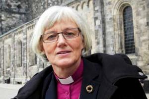 Antje Jackelén och Svenska kyrkan kräver att Sverige ger samernas deras urfolksrättigheter.