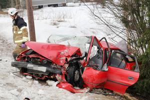 Tre personer skadades efter trafikolyckan på Bergsjövägen.