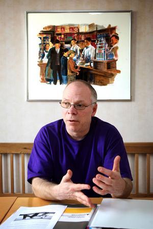 Calle Svensson, 48 år från Ludvika, brukar föreläsa om ADHD. Han anser att den senaste medierapporteringen varit väldigt negativ.