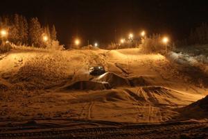 Sedan kylan kom har det arbetats dygnet runt på Björnberget för att backarna ska bli i öppningsbart skick.