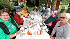 Pensionärer från bland annat Lyssfallet och Källegården blev i onsdags bjudna på en väl uppskattad lunch.