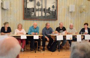 Debatt. Natalie Peart (MP), Astrid Dahl (V), Gunnar Fransson (M), Ingemar Javinder (S), Henk Bijloo (FP), Hans Hedborg (C) och Ewa-Leena Johansson (S).