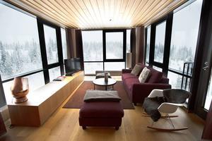 Bild från silversviten på Copperhill Mountain Lodge. Med allrum, sovrum och badrum.