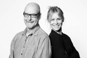 Thomas Segerström regisserar, Maria Lindström är producent för Teater vid Siljan.