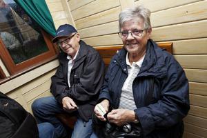 FÖRST UT. Makarna Inger och Åke Eriksson från Gävle passade på att åka med första turen.