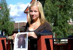 Emma Hagman hoppas fortfarande att få återse pudeln Albus.
